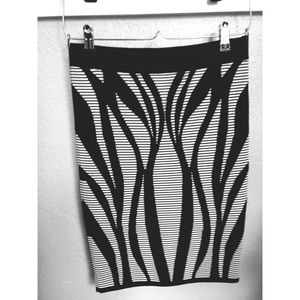 Bebe Black and white stretch pencil skirt